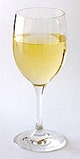 כוס יין לבן