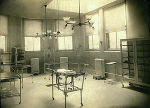 Wishard Hospital infant operating room, c. 1916.jpg