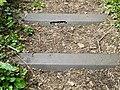 Wuppertal, aufgelassene Gleise nahe Flieth 64, nach NW, Stahlschwellen, Bild 2.jpg