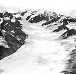Yanert Glacier, valley glacier, circa August 1968 (GLACIERS 5119).jpg