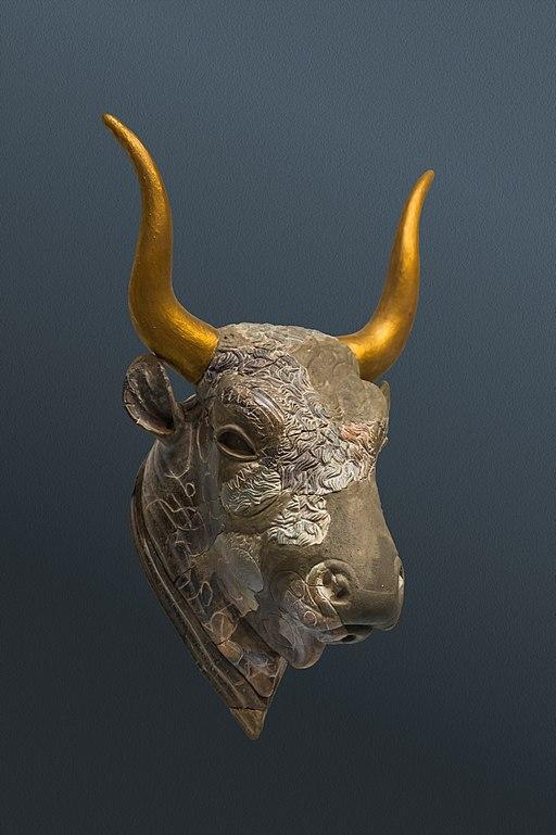 Zakros bull's head rhyton archnmus Heraklion