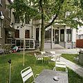 Zicht op een gedeelte van de achtergevel en de binnentuin - Tilburg - 20388610 - RCE.jpg