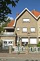 """""""Massabielle"""", gekoppelde villa in cottagestijl, Poststraat 9, Duinbergen (Knokke-Heist).JPG"""