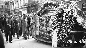 1935 in literature - Funeral cortege for Panait Istrati. Bucharest, April 1935