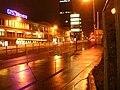 Želivského, tramvajová zastávka v noci.jpg