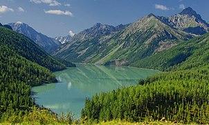 Бирюзовые воды Кучерлинского озера.jpg