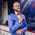 Дмитрий Кузеняткин - ведущий.jpg