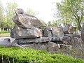 Скульптуры в городском парке г. Карамай.jpg