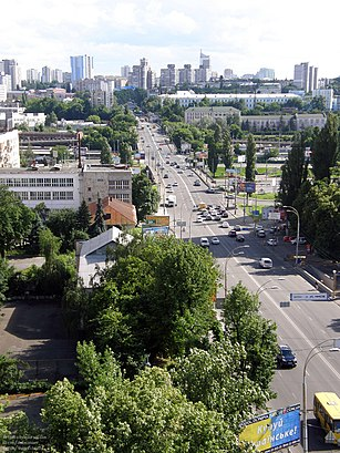 How to get to вулиця В'ячеслава Чорновола 1 with public transit - About the place