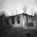 ביתו של יהודי בשם שפיגלמן שנשרף בפוגרום העשן עדין מיתמר מהחלונות רוסיה ( -PHG-1030693.png