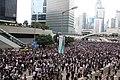 香港立法會外現人海 01.jpg