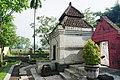 020 Entrance and Side Shrine, Petilasan Tri Buana Tungga Dewi (25577612777).jpg