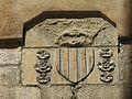 066 Llotja del Blat (Vic), actual Oficina de Turisme, escut a la façana est.jpg