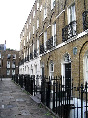 Canonbury Square, where Waugh and Evelyn Gardner lived during their brief marriage 069 Canonbury Square.jpg