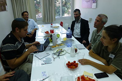 10th Birthday Celebration Hebrew Wikisource 08 2014 (323).JPG