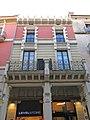 195 Casa Carbonell, pl. Constitució 3 (Vilafranca del Penedès).jpg