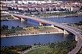 196R02180890 Blick vom Donauturm, Donauinsel, Brigittenauer Brücke Zu und Abfahrten, Handelskai.jpg