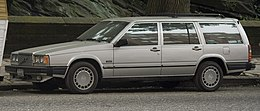 1989 Volvo 745 front left (NYC).jpg