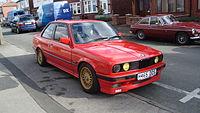 1990 BMW 318i S (13356533605).jpg