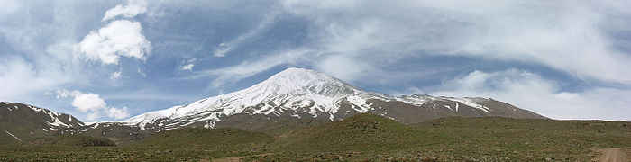 2009-05-13 Damavand from Abbasabad 08.jpg