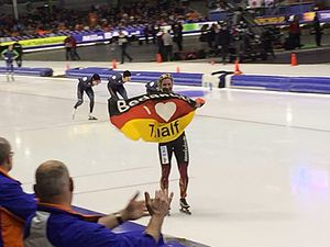 2015 World Single Distance Speed Skating Championships - Pechstein thanking Thialf