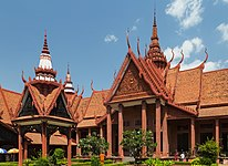 2016 Phnom Penh, Muzeum Narodowe Kambodży (03).jpg
