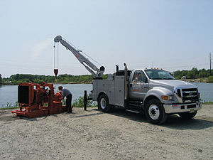 Ford F-650 - 2004–2015 F-750 Super Duty in use servicing a water pump