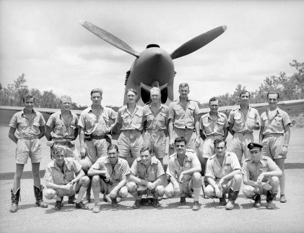 77 Sqn RAAF pilots & Kittyhawk (AWM NWA0019)