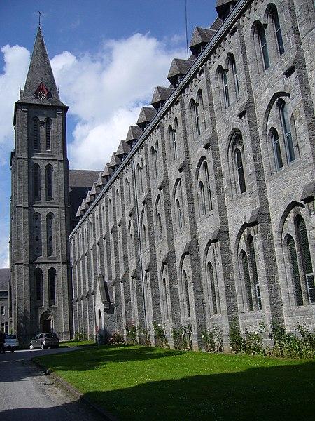 450px-Abbaye_Maredsous.jpg