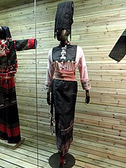 Achang woman brocade dress - Yunnan Nationalities Museum - DSC04291.JPG