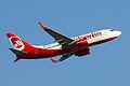 Air Berlin Boeing 737-700 D-AHXD.jpg
