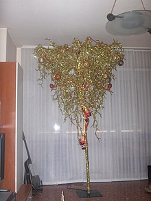 A Stand Alone Upside Down Christmas Tree