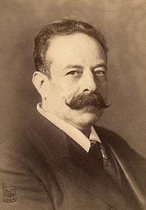 Alfred Grünfeld Austrian pianist 1906.jpg