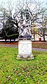 Amiens, square Annie Fratellini, statue 1.jpg