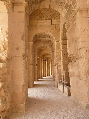Amphitheatre of El Jem - Image: Amphitheatre of El Jem 130253