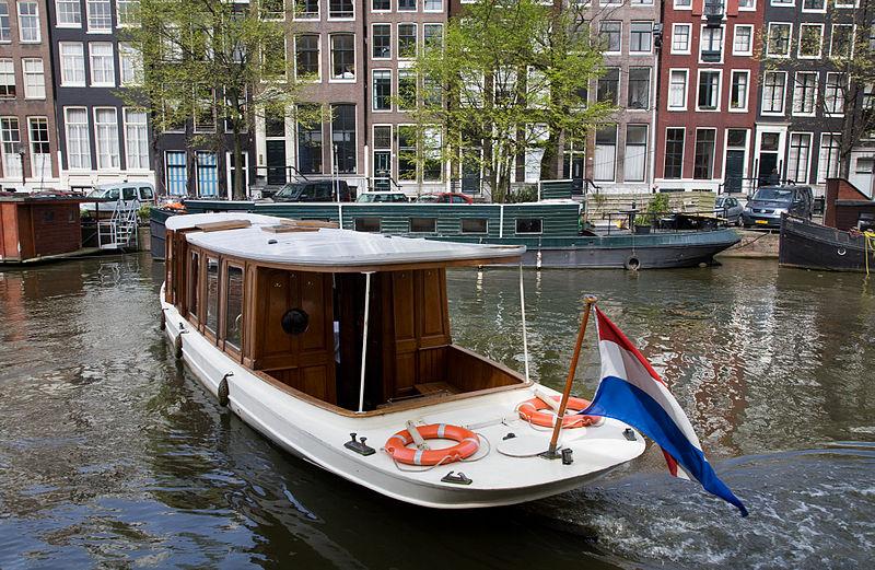 Городской совет Амстердама одобрил новые жёсткие правила передвижения лодок по городским каналам