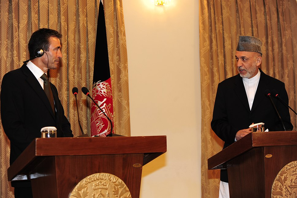 Anders Fogh Rasmussen and Hamid Karzai in 2009