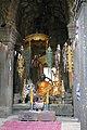 Angkor-Banteay Kdei-08-Altar-2007-gje.jpg