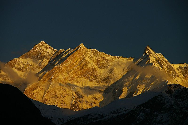 800px Annapurna from west