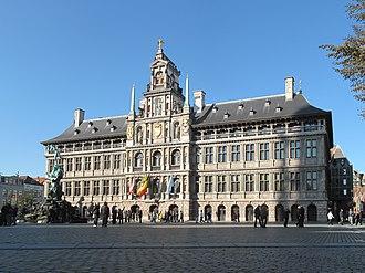 Grote Markt (Antwerp) - Image: Antwerpen, stadhuis foto 1 2011 10 16 11.28