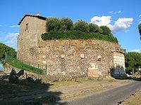Appia antica 2-7-05 046.jpg