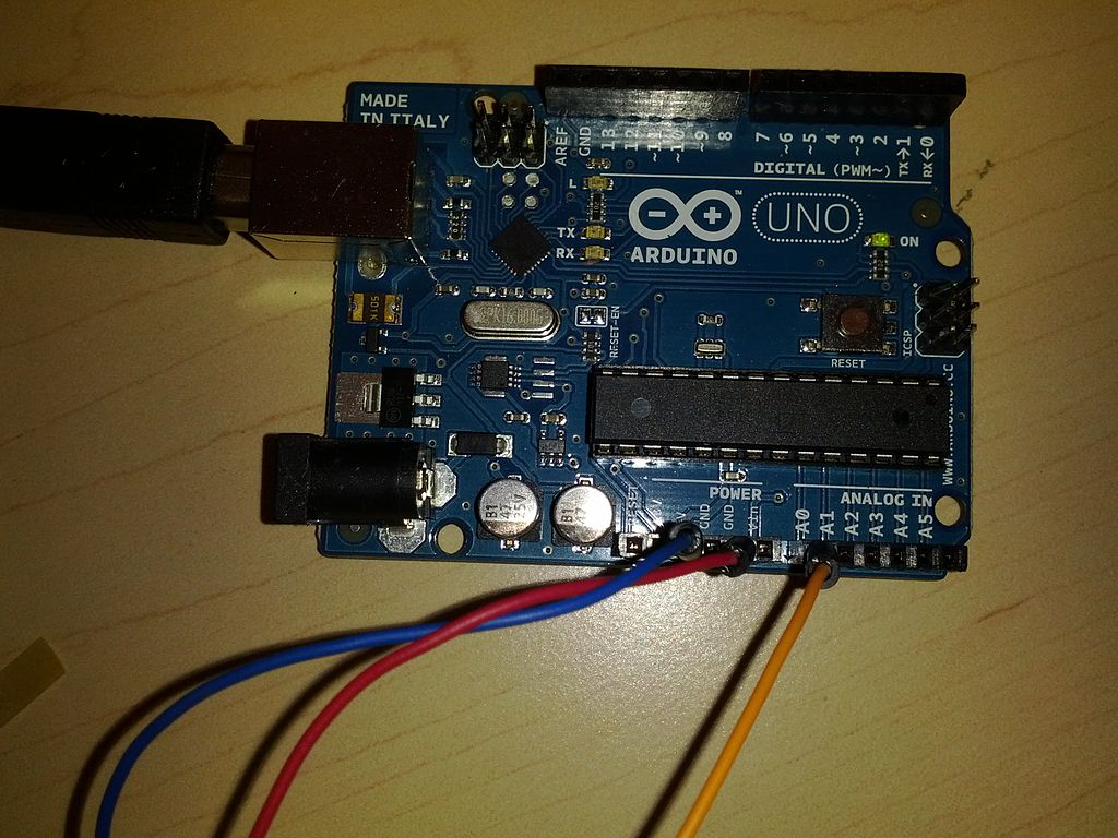 File:Arduino IR Sensor Connections.jpg - Wikimedia Commons