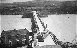 Aqueduct Bridge (Potomac River) - View of the Potomac Aqueduct Bridge from Georgetown into Rosslyn, Virginia