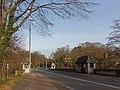 Arnhem-Hazegrietje, betonnen viadukt Apeldoornseweg over de Cattepoelseweg RM516891 foto7 2015-12-30 13.51.jpg