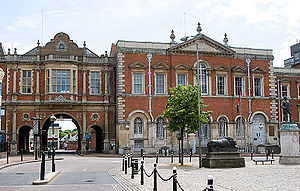 Aylesbury - Market Square, Aylesbury. Corn Exchange (left) Aylesbury Crown Court (right)