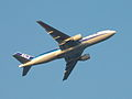 B777-200(JA705A) take off (420123267).jpg