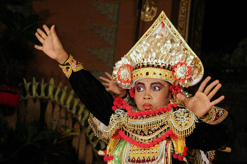 File:Bali-Danse 0705a.jpg