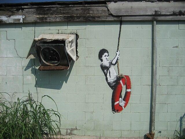 Выставка уличного художника Banksy открылась в Мадриде без его согласия