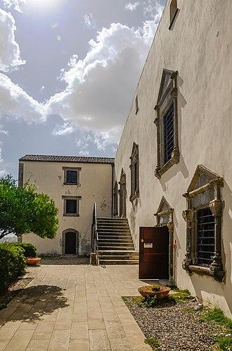 Barumini - Image: Barumini Palazzo Zapata pjt 2