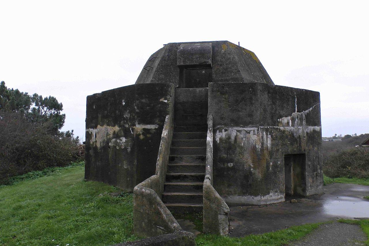 File Base Of Radar Antenna Guernsey Jpg Wikimedia Commons